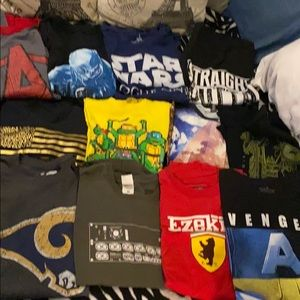 Wholesale 12 pieces graphic T-shirts